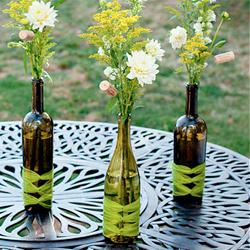 wine bottle centerpieces | craftgawker