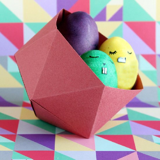 How to Make an Origami Hen for Easter | 550x550