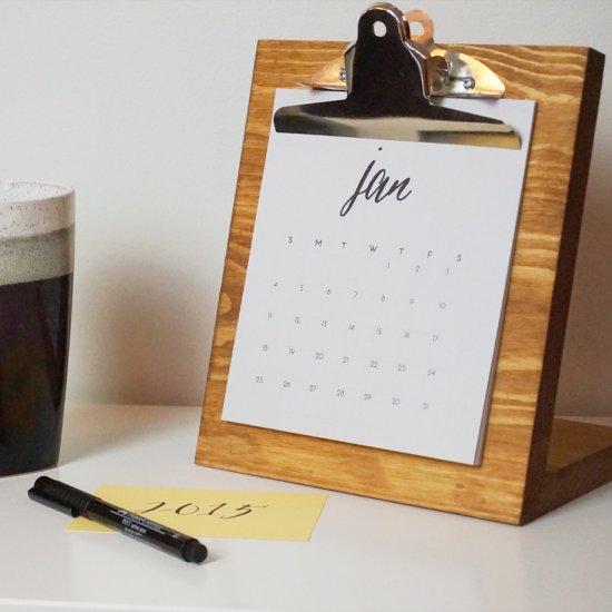 Diy Wooden Desk Calendar Craftgawker