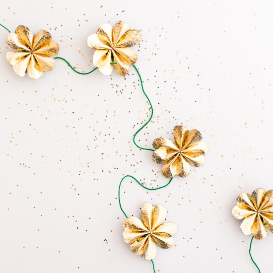 Gold Four-Leaf Clover Garland
