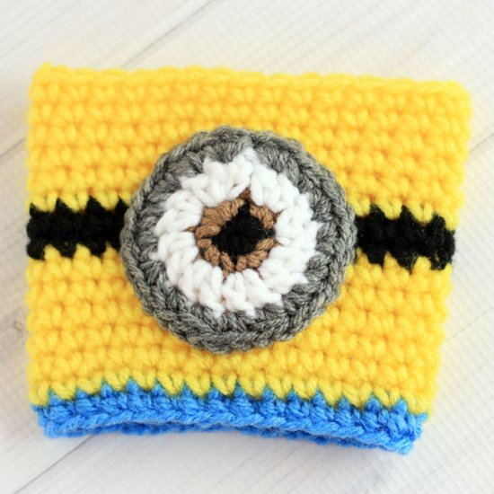 Crochet Minions Coffee Cup Cozy Craftgawker