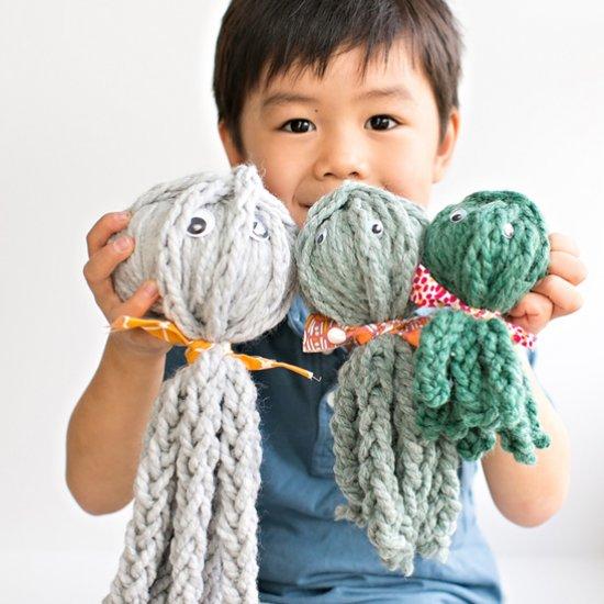 Finger Knit Octopus Family