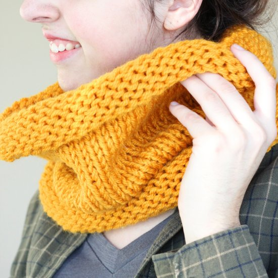 Knit an Infinity Scarf in 3 Steps