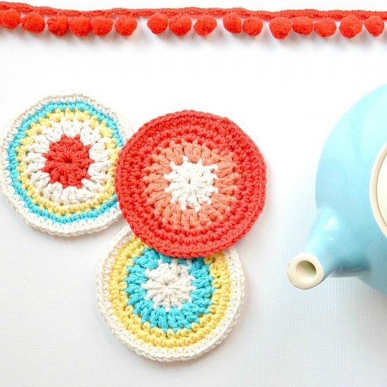 Fun Crochet Pokemon Ball Coasters! Perfect for those who love ... | 550x550
