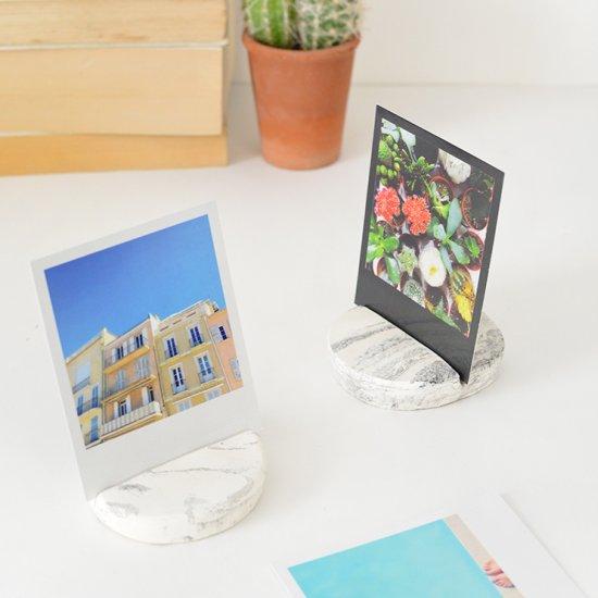 DIY marble photo holder