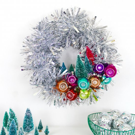 mid century inspired wreath - Mid Century Christmas Decor
