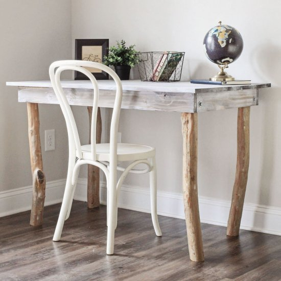 ... Rustic Tree Branch Desk DIY