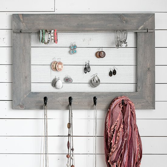 Farmhouse DIY Jewelry Organizer