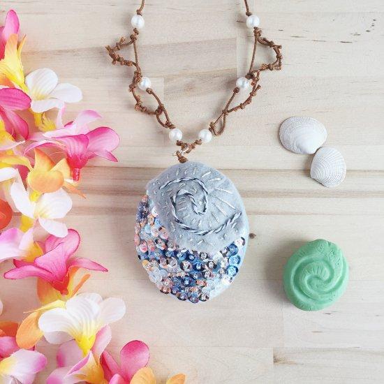 Moana Necklace & Heart of Te Fiti