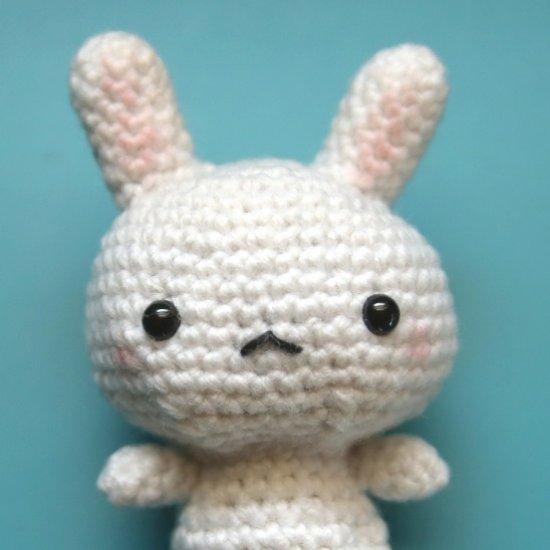 Bernat Baby Velvet Crochet Bunny - Repeat Crafter Me | 550x550