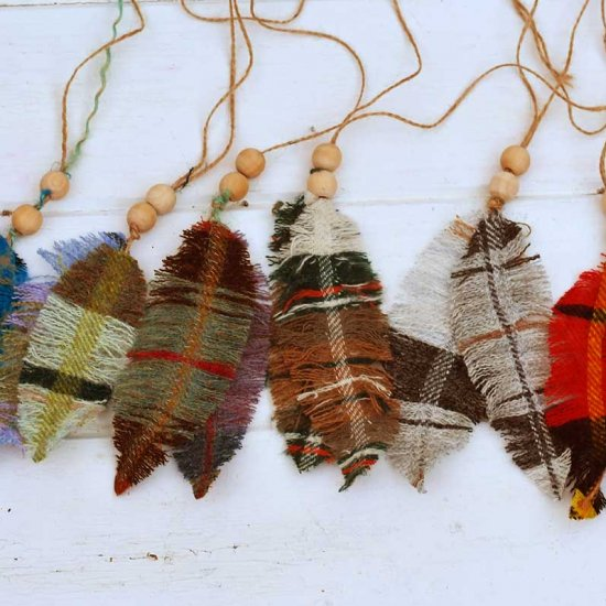 DIY Tartan & Plaid Feathers