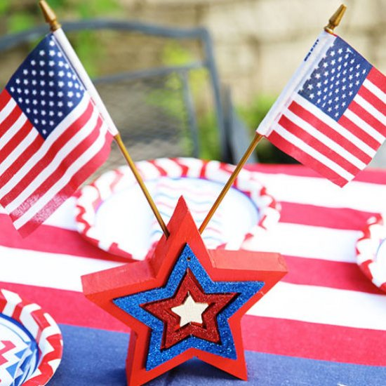 ourth of July Wooden Star Table Dec